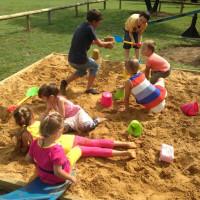 Детска площадка в Българския Център